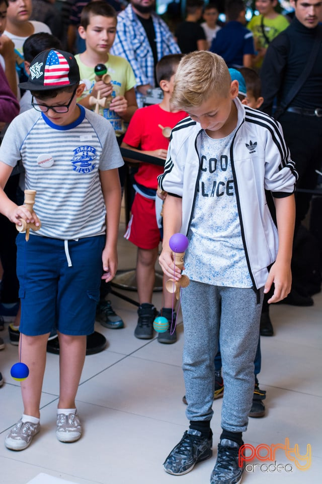 Concurs Kendama, Lotus Center
