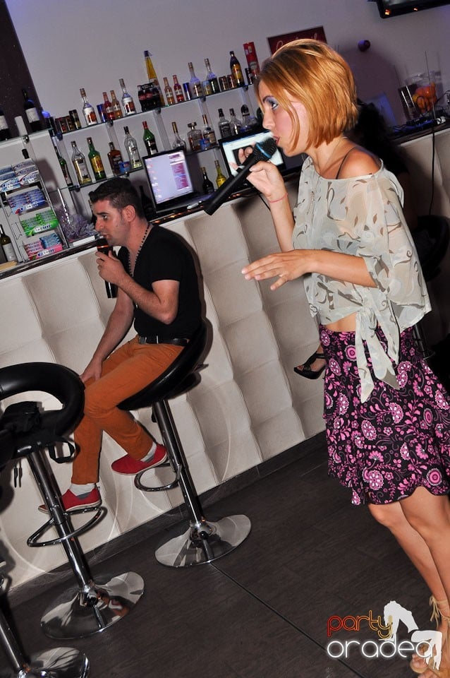 Karaoke Night @ Blondy's,