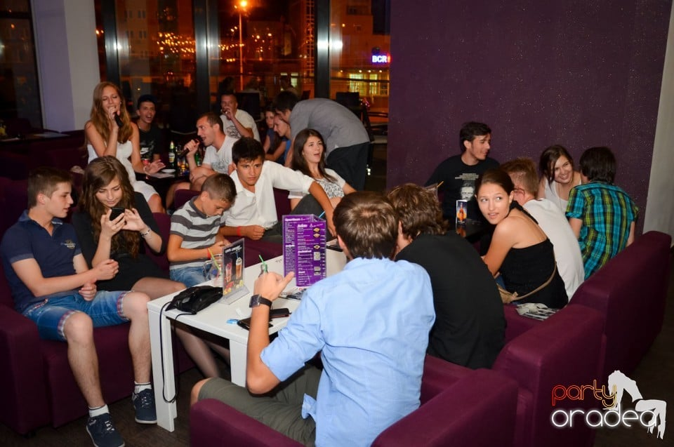 Karaoke Night în Blondy's Art Café, Blondy's Art Café