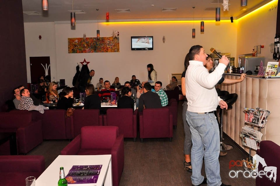 Karaoke Night în Blondy's, Blondy's Art Café