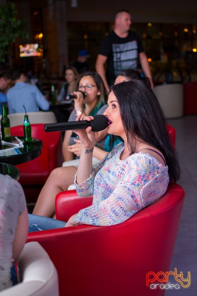 Karaoke Night, Blondy's Art Café