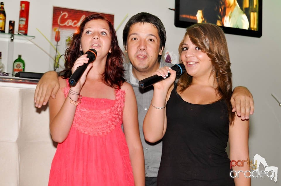 Karaoke Party în Blondy's, Blondy's Art Café